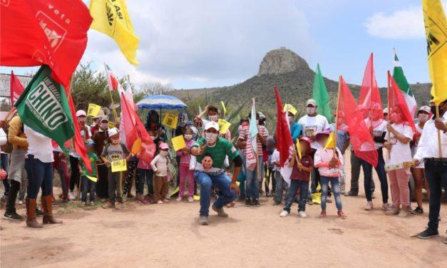 Sigue «El Chino» sumando apoyos en comunidades y tomando fuerza rumbo al cierre de campaña