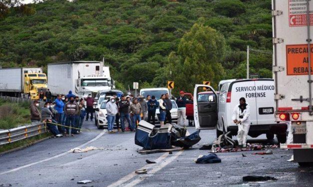 Siete jovencitos pierden la vida en accidente al regresar de un baile