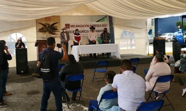 Gobierno de San José Iturbide hace entrega de Tractores y Equipos Agrícolas