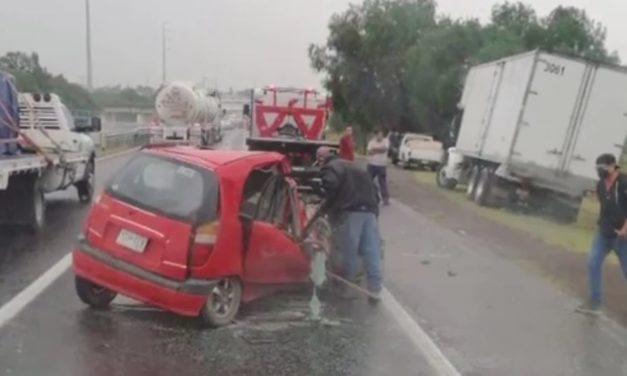 Una Iturbidense sin vida y un lesionado de gravedad en accidente sobre la carretera 57